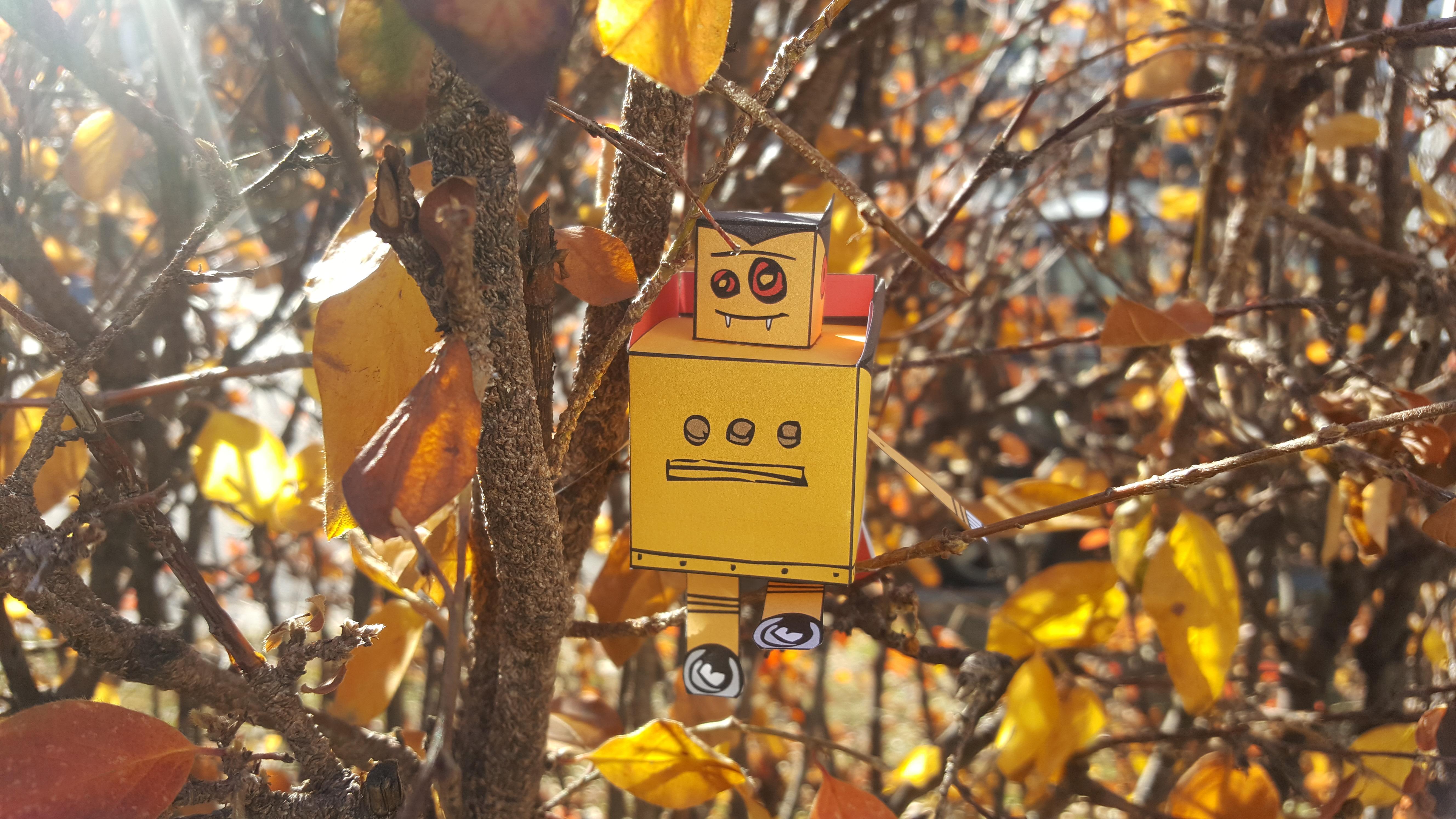 Vampire Robot Papercraft