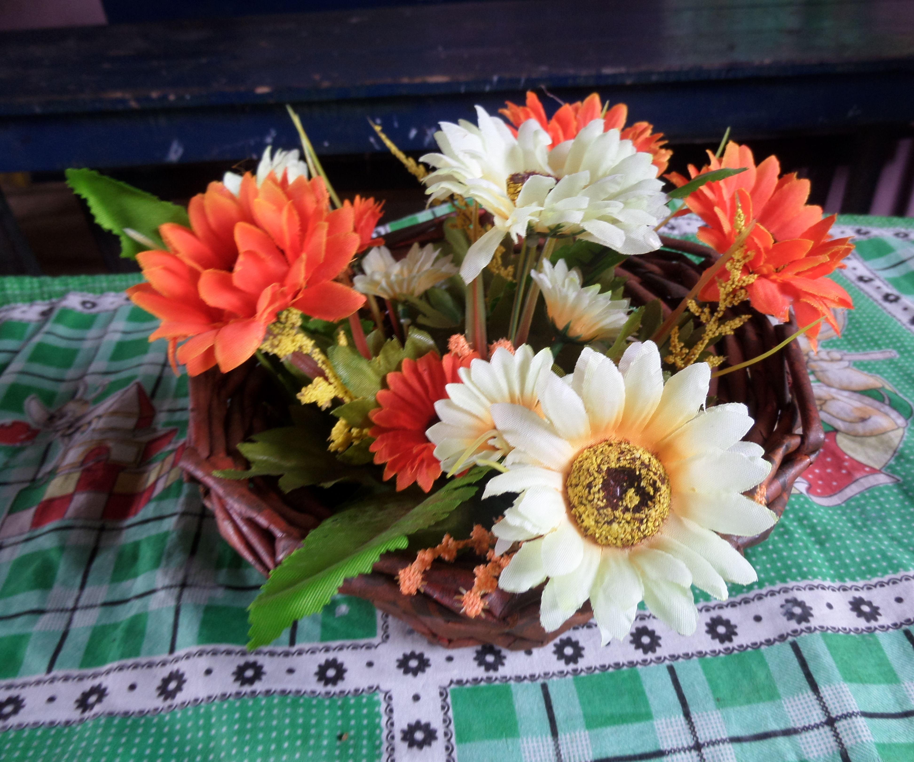 Flower Vase from newspaper tube