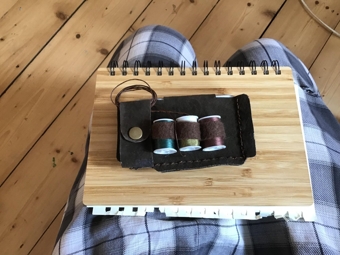 How to Make a Leather Bookbinders Tool Belt!