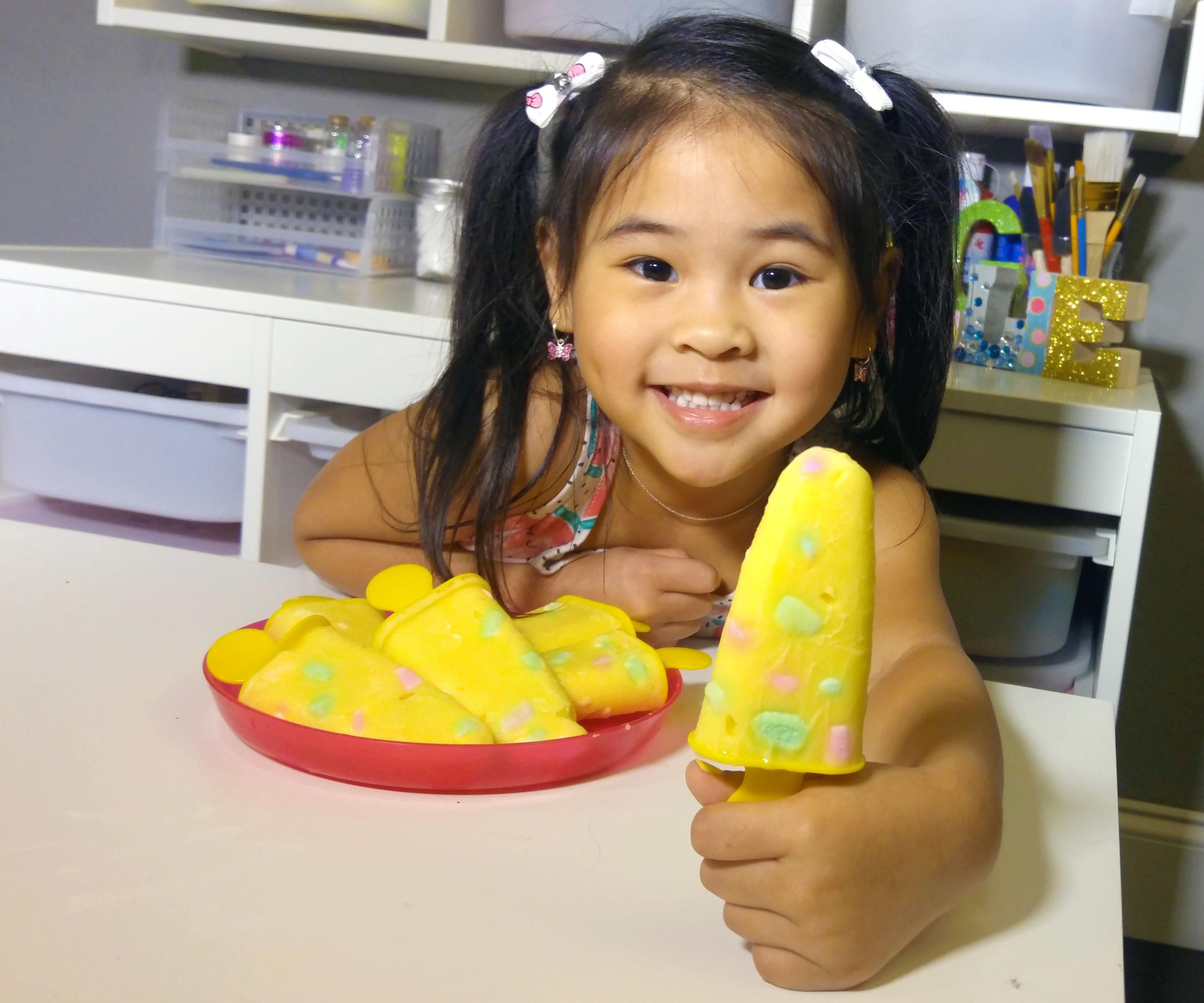 DIY Marsmallow Pudding Popsicles Recipe