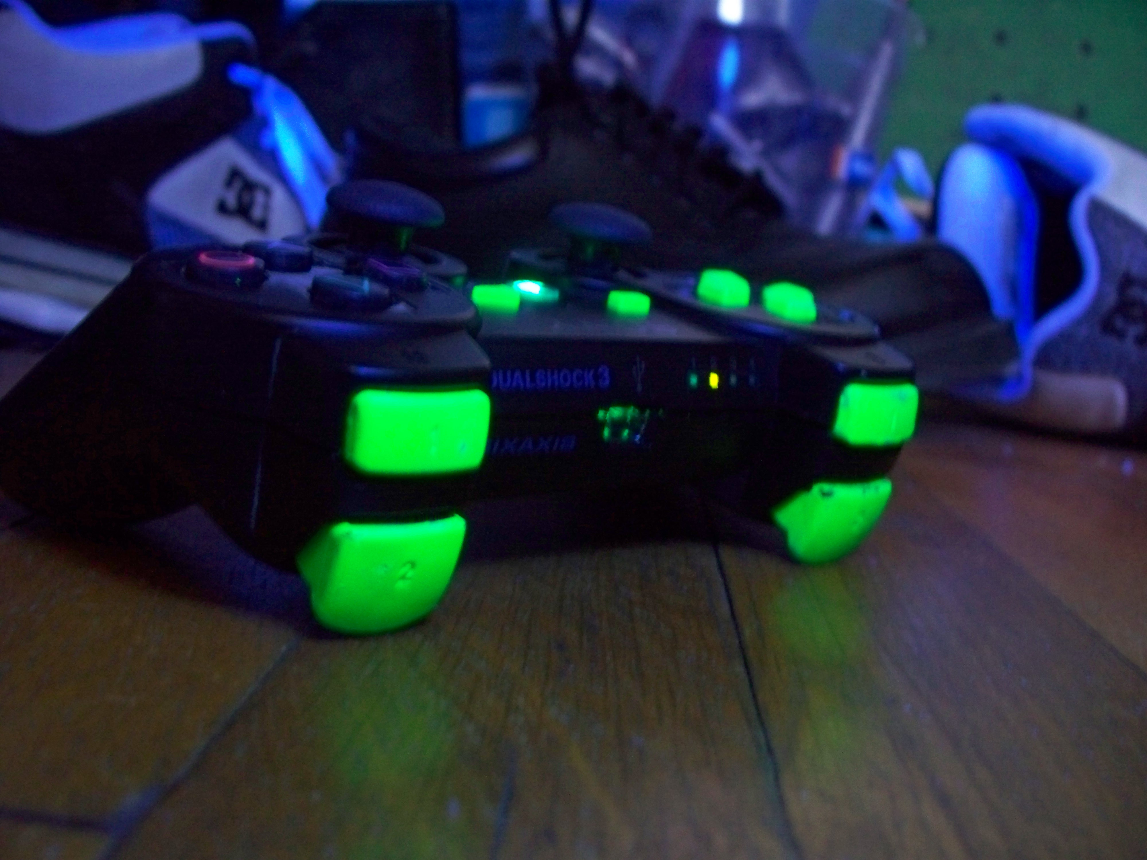 How to Spray paint the ps3 dual shock L1 L2 and R1 R2 buttons