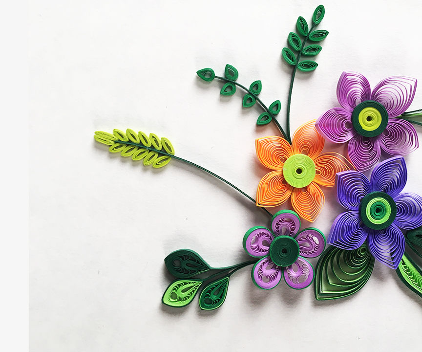 Small and delicate quilled flowers