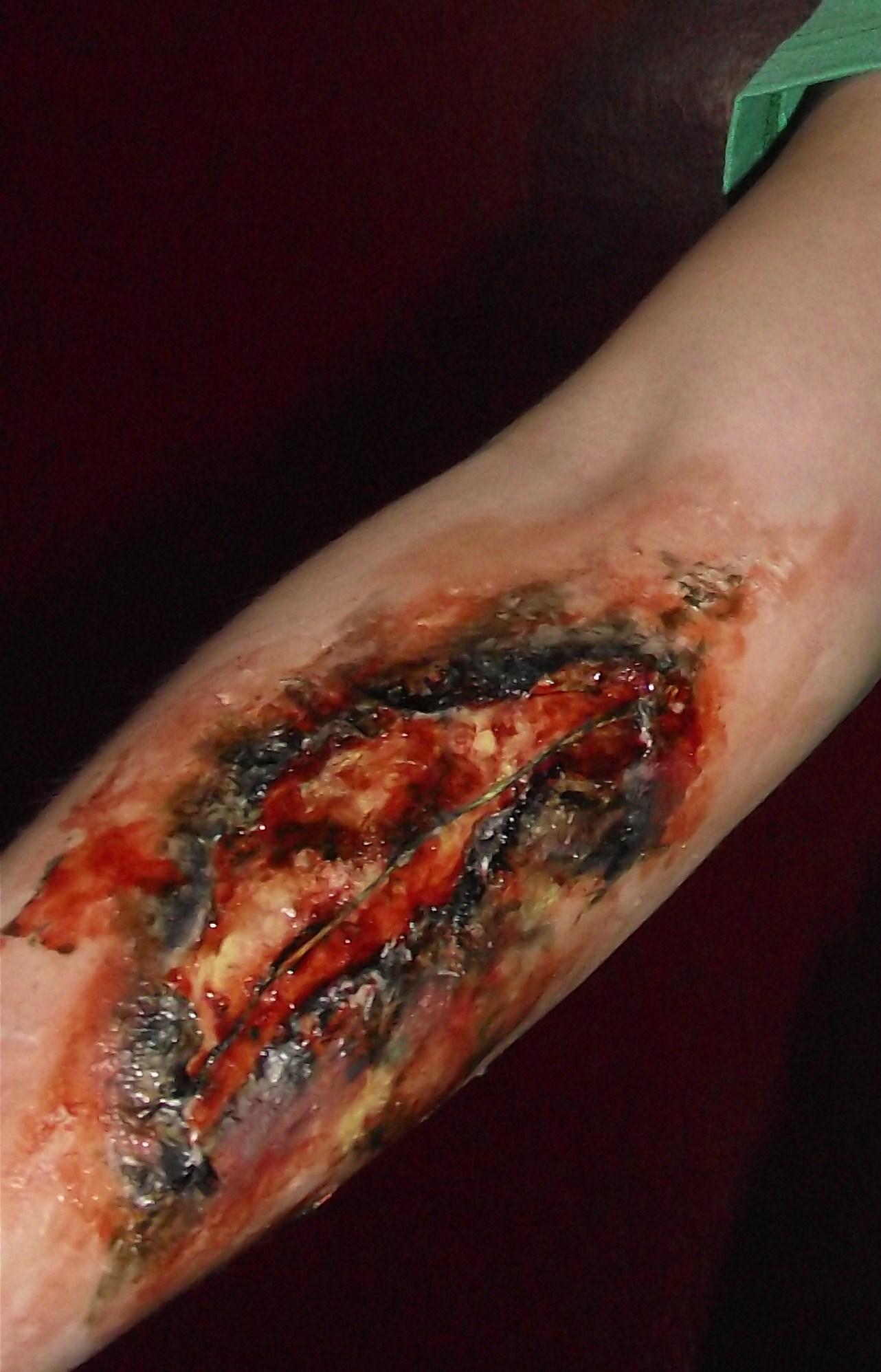 How to: Easy Halloween Prosthetics