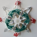 Easy-To-Build K'NEX Christmas Decoration