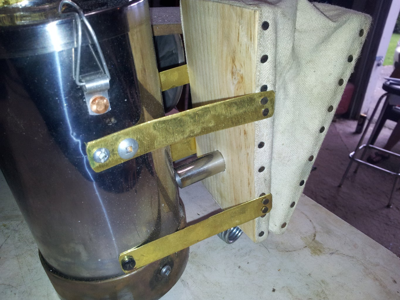 Mounting the Bellows to the Canister