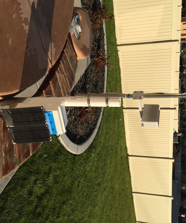 Create Your Own Solar Powered Raspberry Pi Weather Station (Updated)