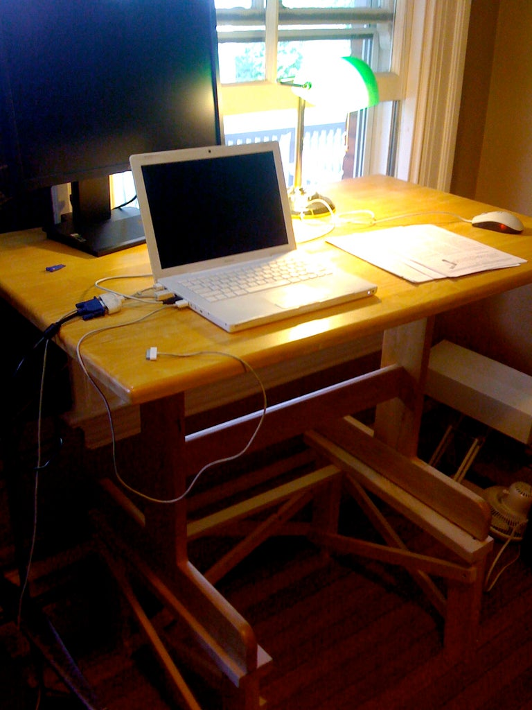 Safety Concerns - Fixing the Desk to the Platform