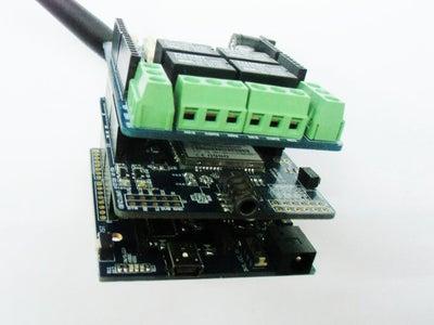 Plug Relay+GPRS Shields to the Crowduino