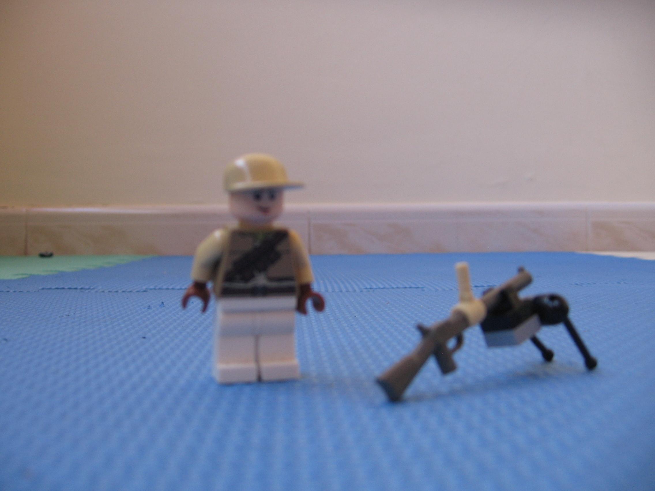 Lego WW2 soldier with Bren machine gun