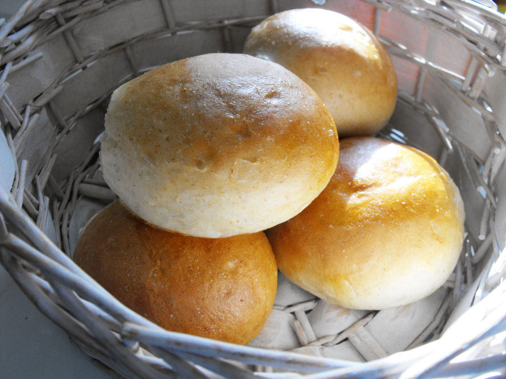 Brotchen (Crusty German-style Rolls)