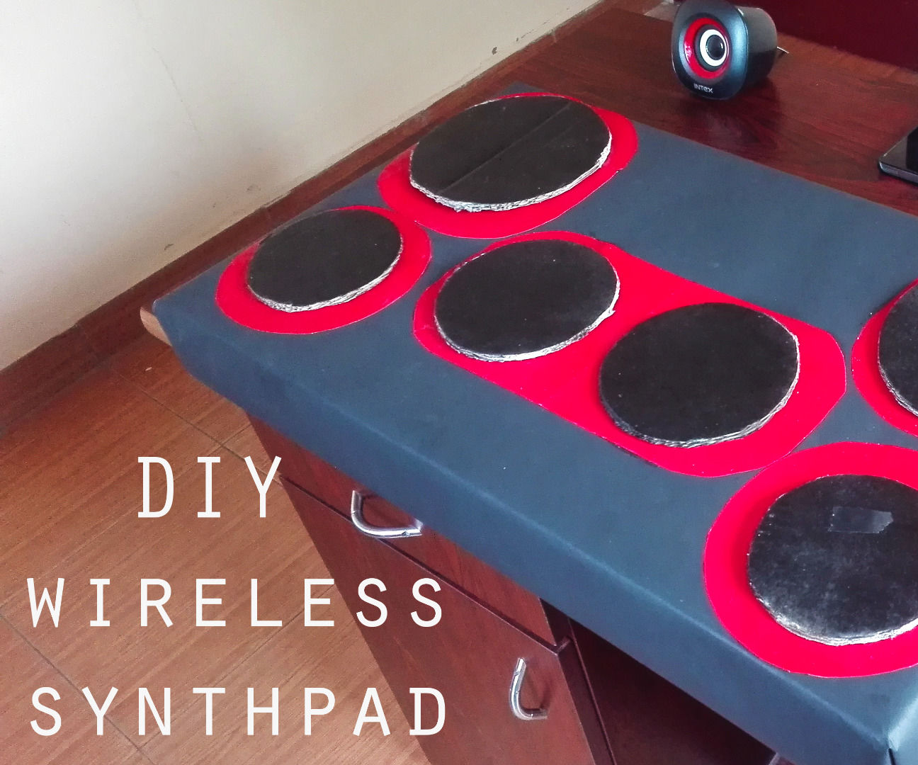DIY bluetooth synth/drum pad with smartphone and Jetpack