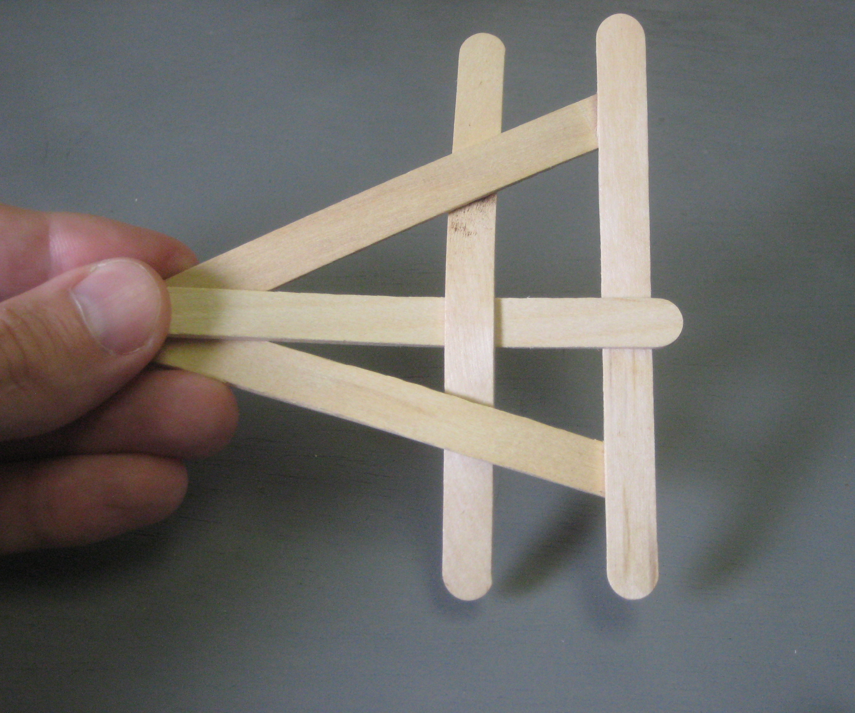 5 Second Exploding Popsicle Stick Frizbee