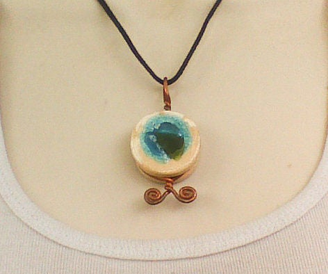"Pottery ""jewel"" Cabochon"
