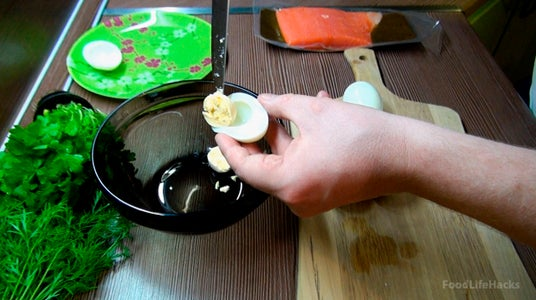 Separate the Eggs Yolk in a Bowl.