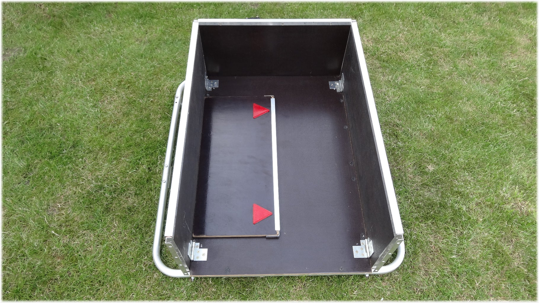 How to Fold the Trailer