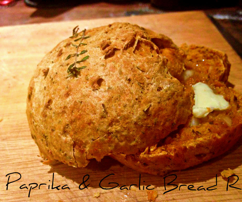 Paprika & Garlic Bread Rolls