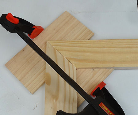 Easy picture frame clamp