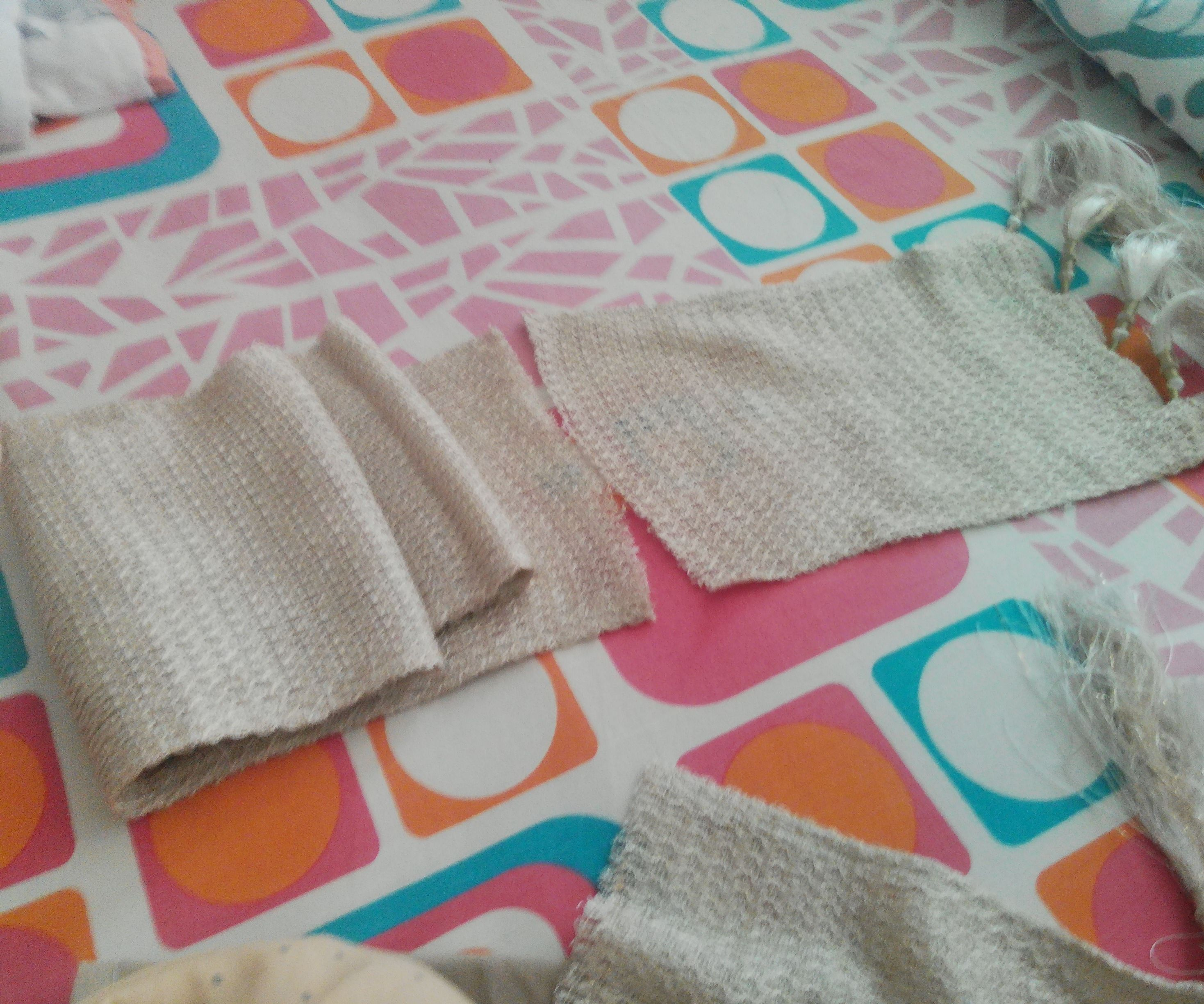Shoulder bag using a scarf fabric