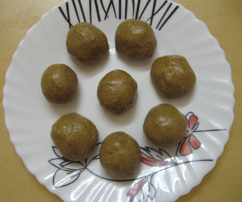 Three Ingredient Green Gram Laddu