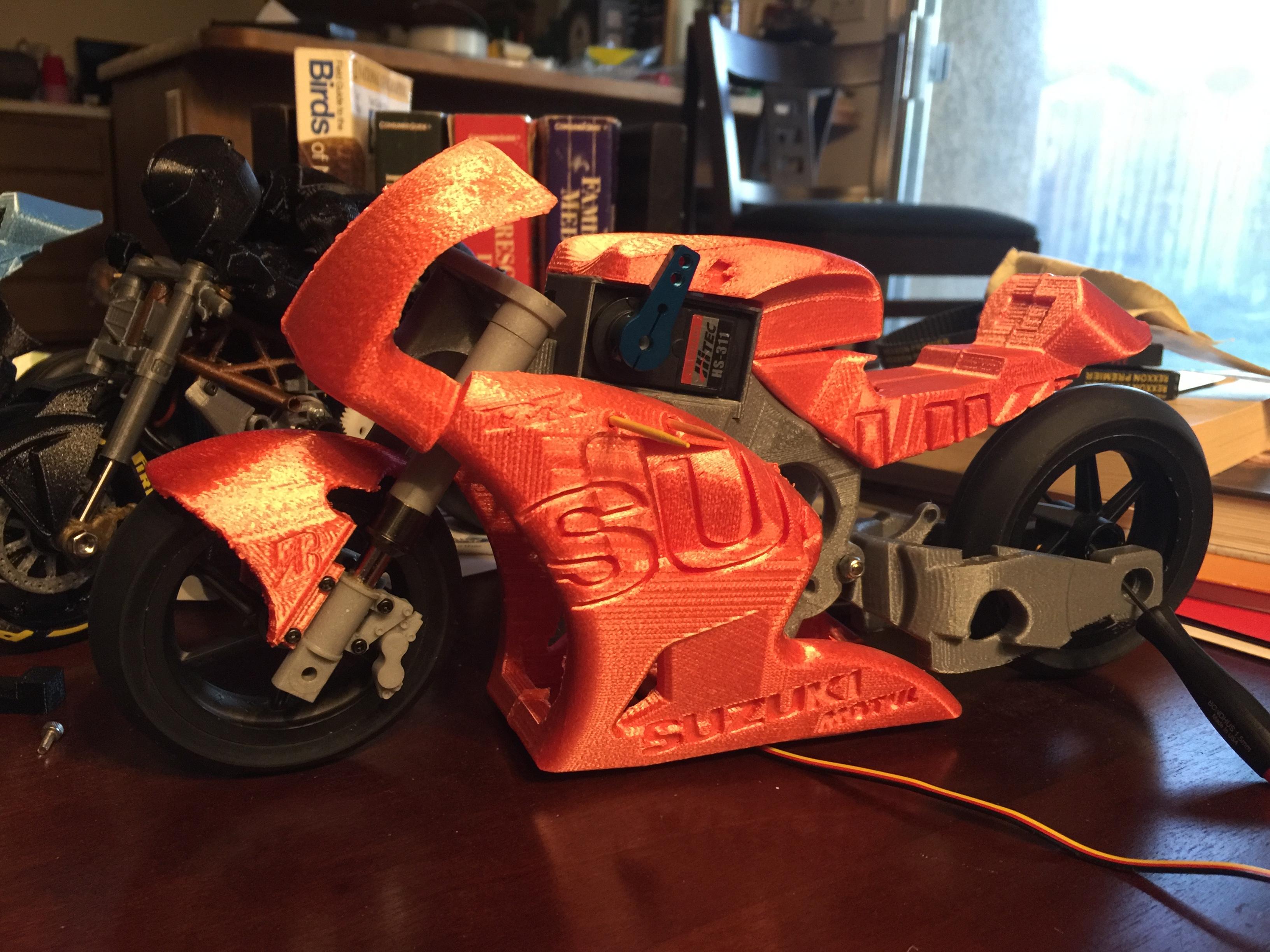 3d Printed RC Motorcycles: 2016 Ducati Draxter and 2016 Suzuki GSX-RR MotoGP