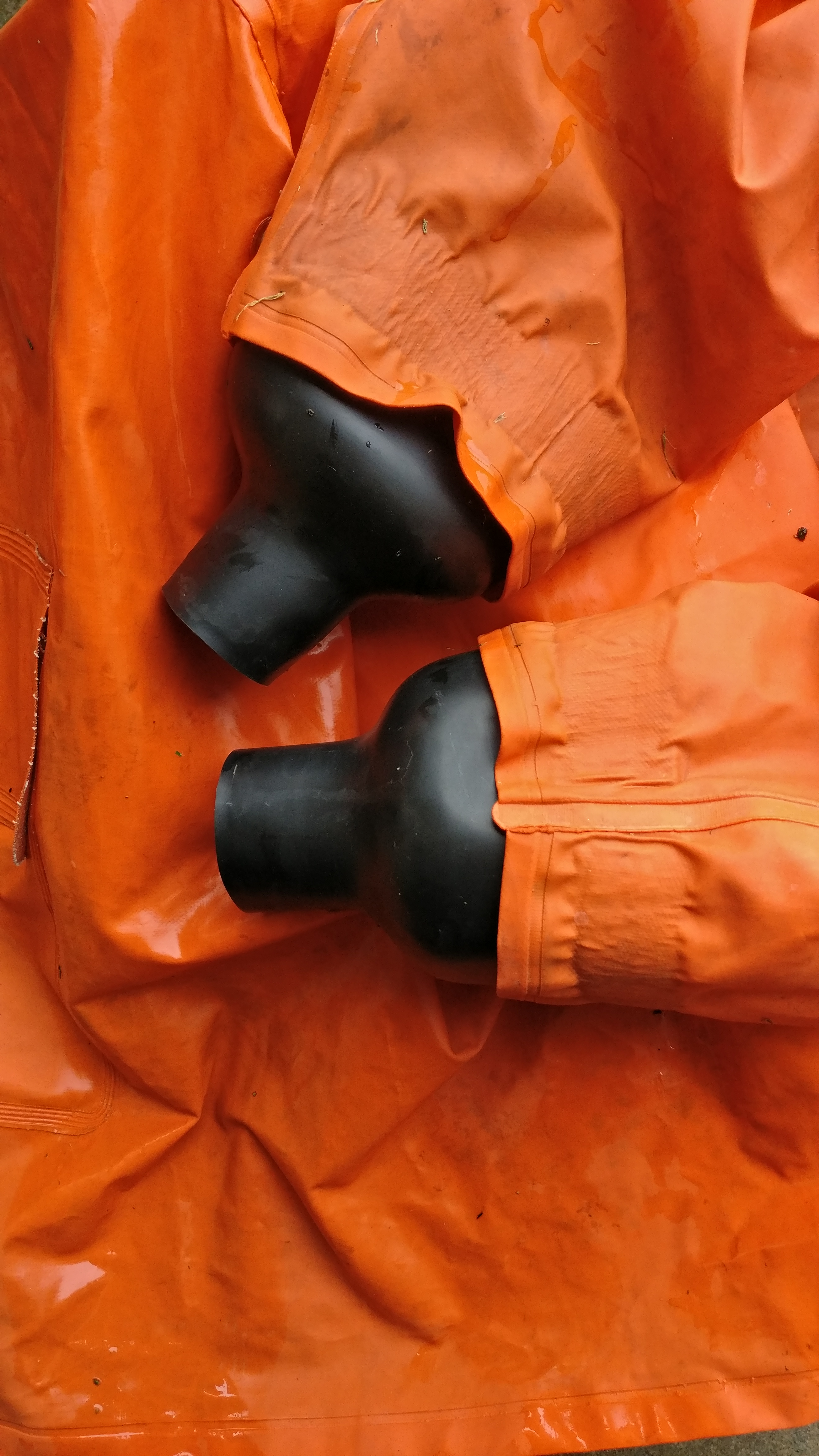Add Wrist Seals to Your Raincoat