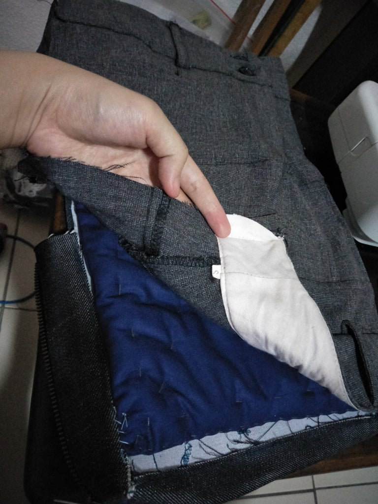 Attach the Outer Pen Pocket and Padding Insert