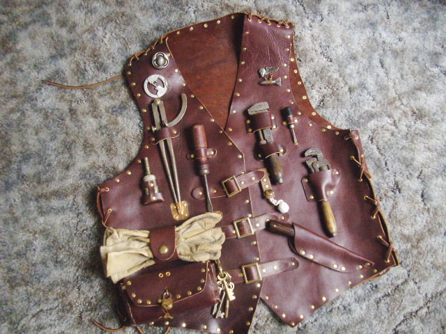 Airship mechanic tool vest