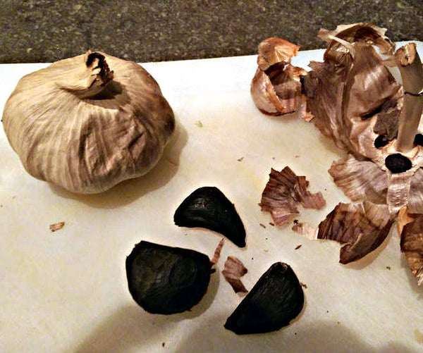 Black Garlic - Probably the Easiest Way to Make It at Home!