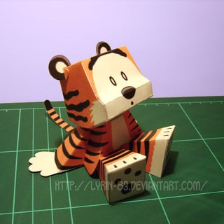 Hobbes___Papercraft_by_Lyrin_83.jpg