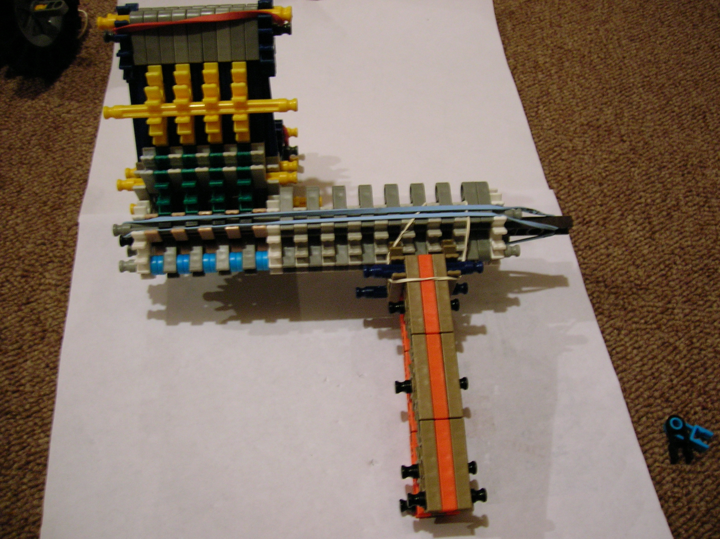 Knex Gun/Pistol with Dual Loading Magazines