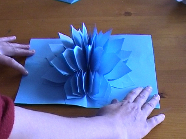 Amazing Flower Pop Up Card.