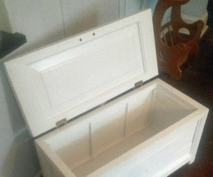 Small Blanket Box/Hope Chest