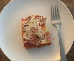 玉米面包披萨
