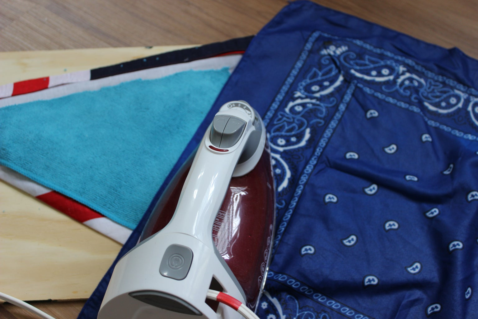 Bandana Triangle Design Part 4: Ice Pack Insert and Seal