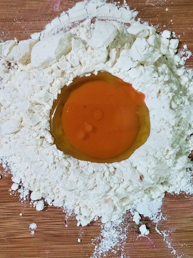 Flour, Adding Color, Kneading, Slicing and Boiling Pasta