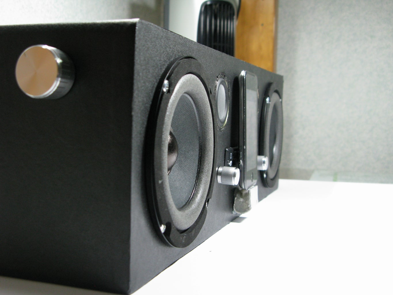 DIY Portable Boombox (from SCRATCH!)