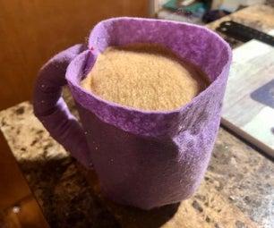 简单的咖啡(或茶)杯毛绒!