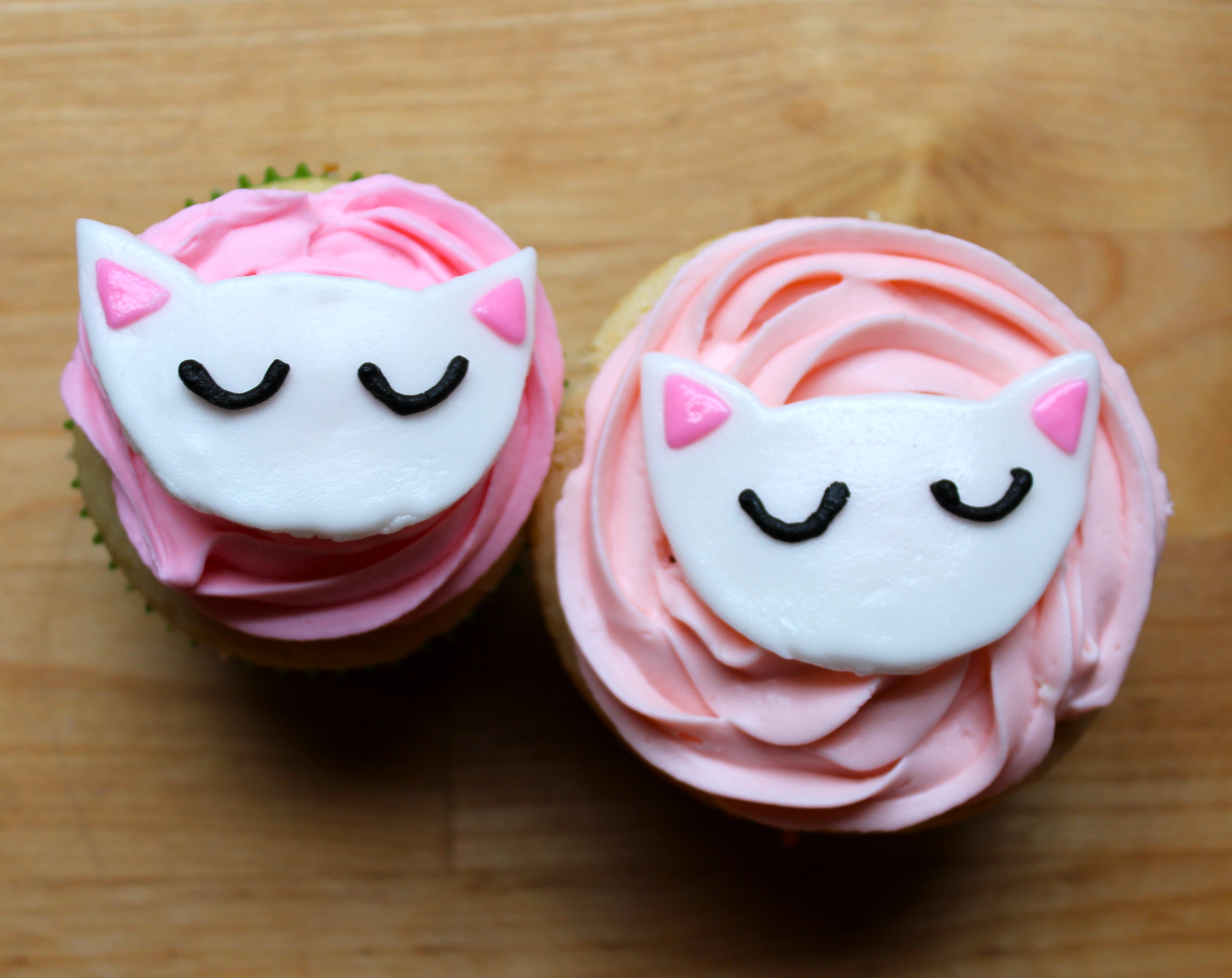cat cupcakes