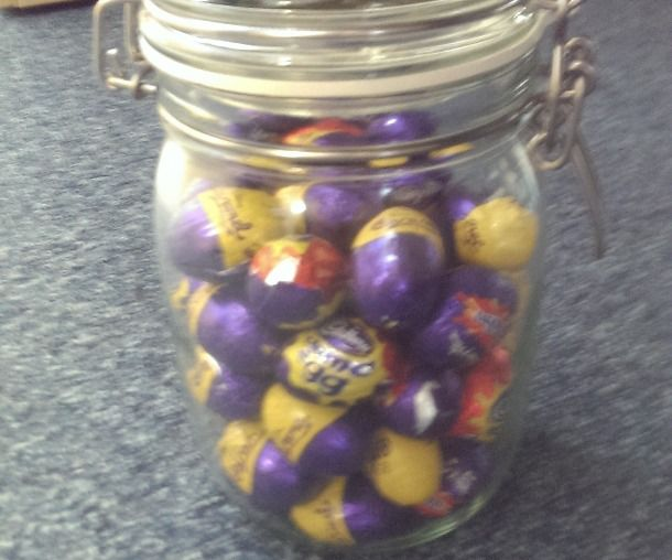How to win at guessing how many eggs are in the jar...