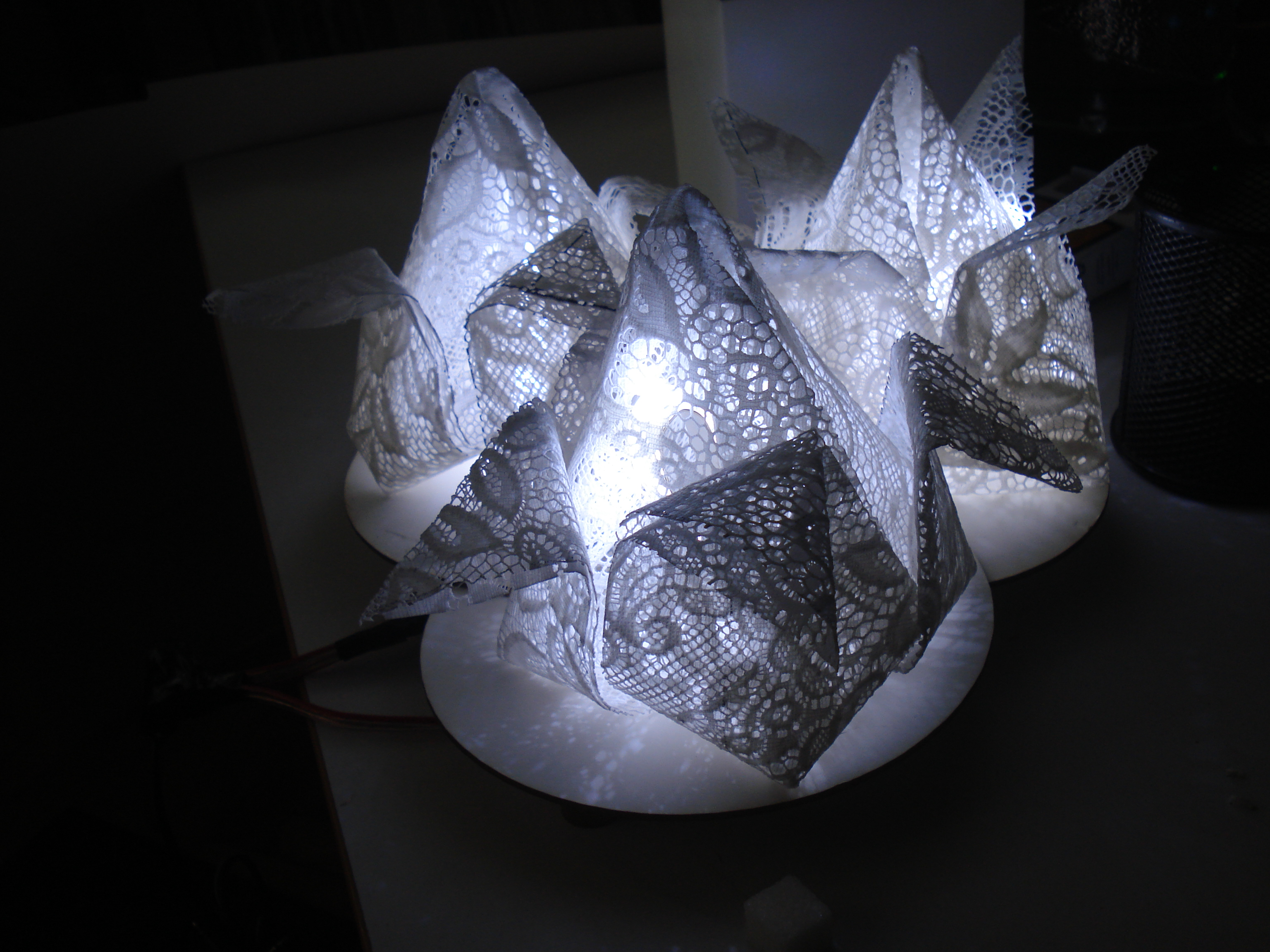 Lace Lighting Inspired by Origami Tulip