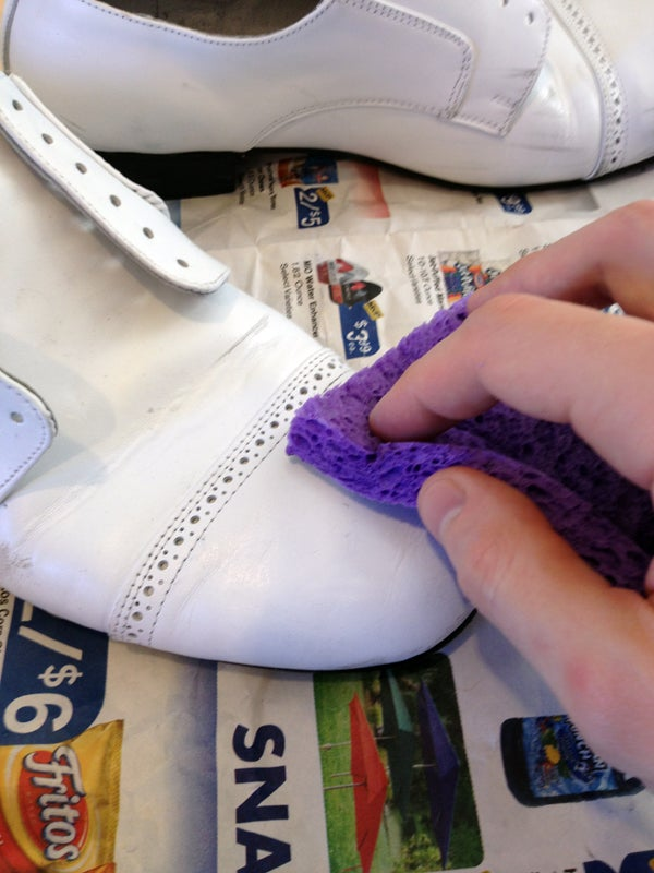How To Paint Leather Shoes 10 Steps With Pictures Instructables