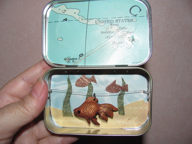 Altoids tin Pocket Fish Tank
