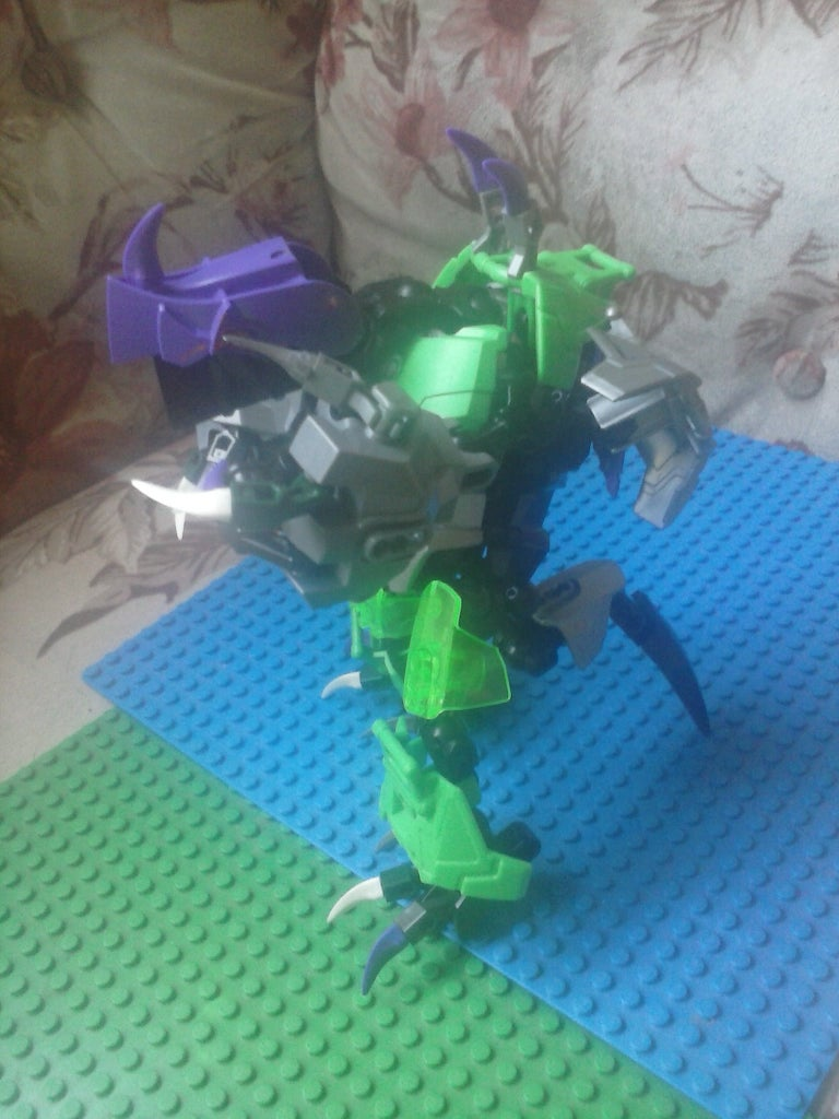 Domber a Mini Dragon