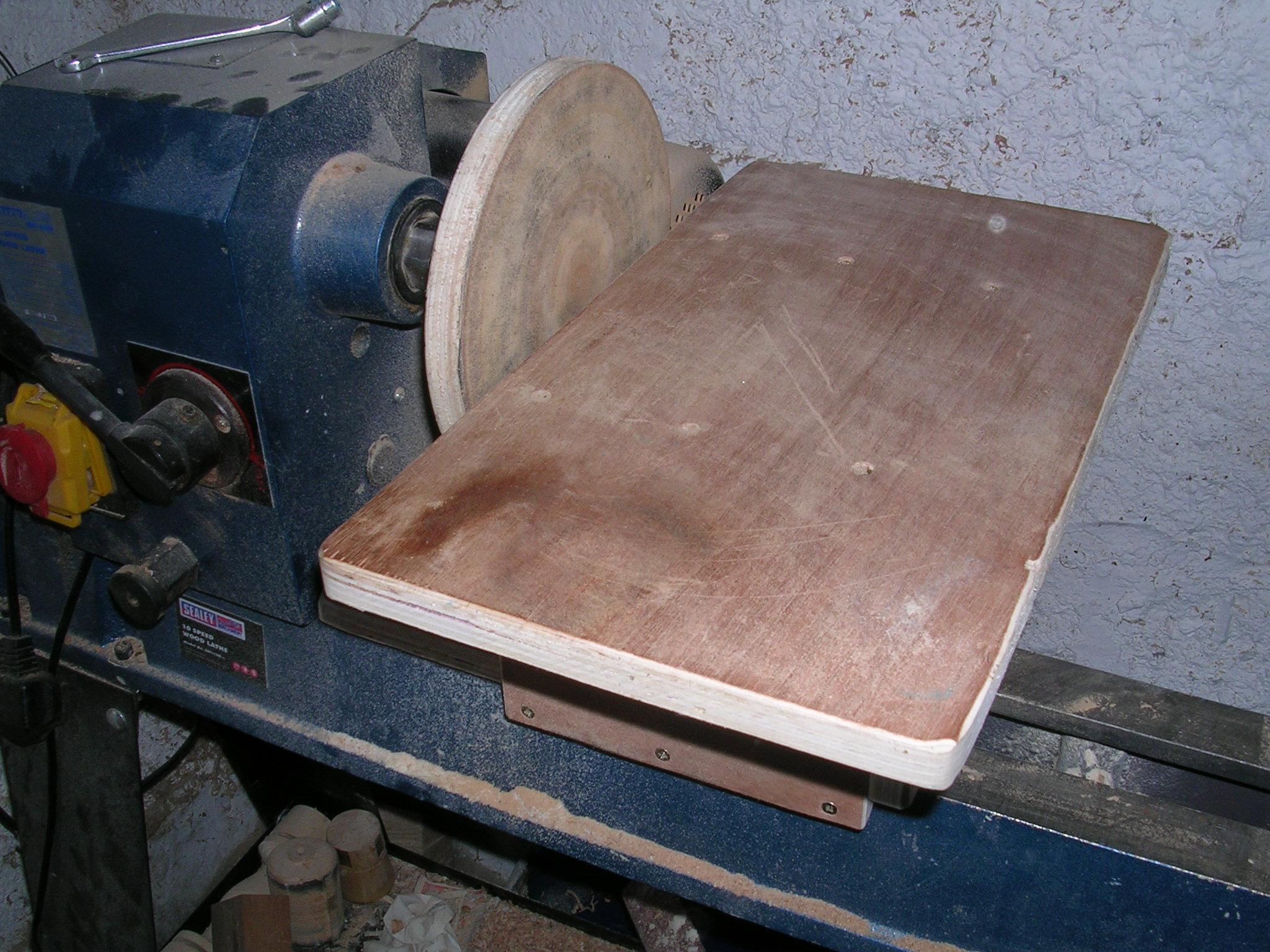 Wood Lathe attachments & improvements pt 1, low buget sanding table.