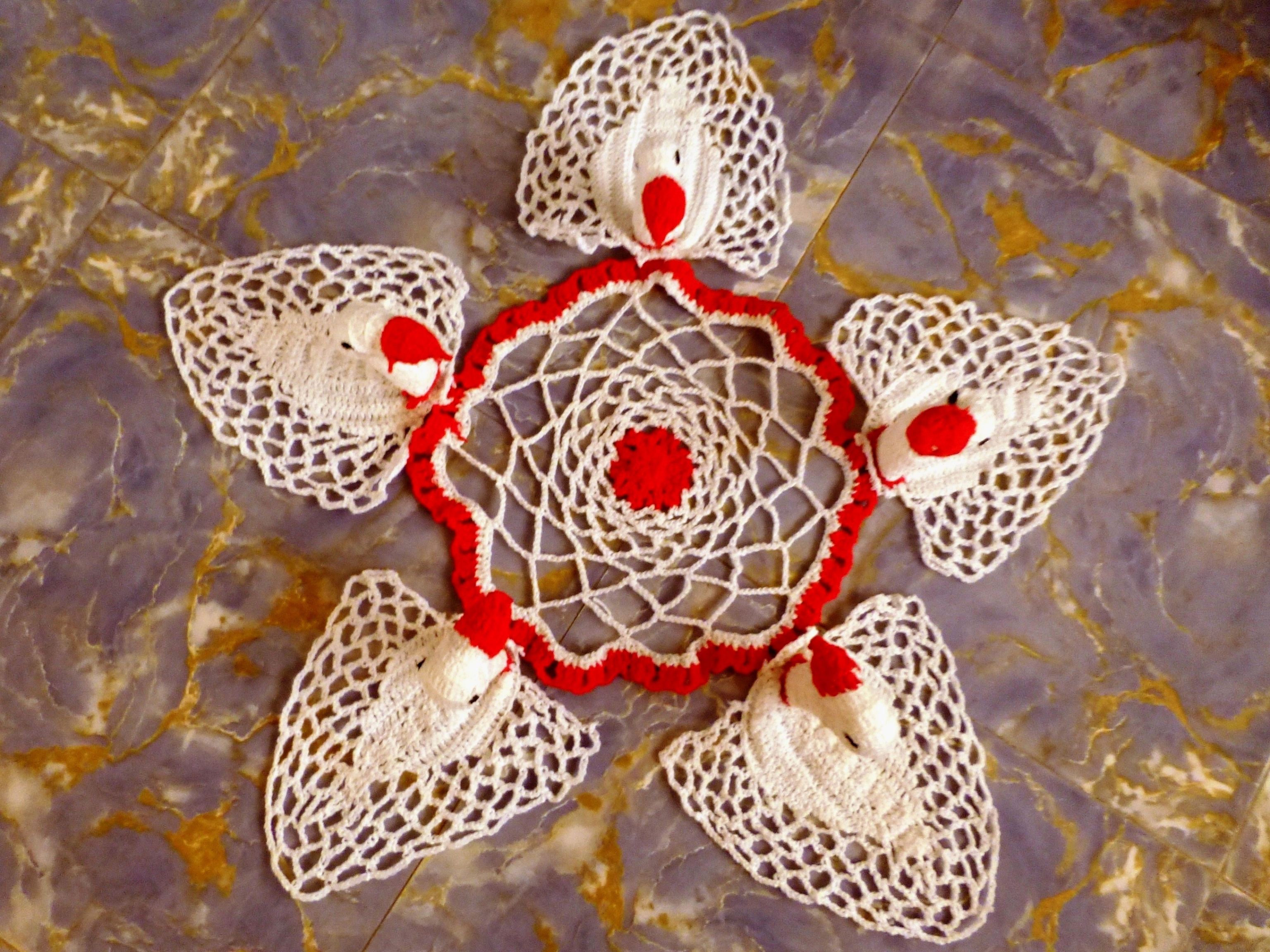 Crocheted Five-Swan Symphony Doily: A Perfect Holiday Gift