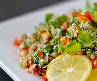 Prepare A Delicious And Nutritious Salad In Minutes
