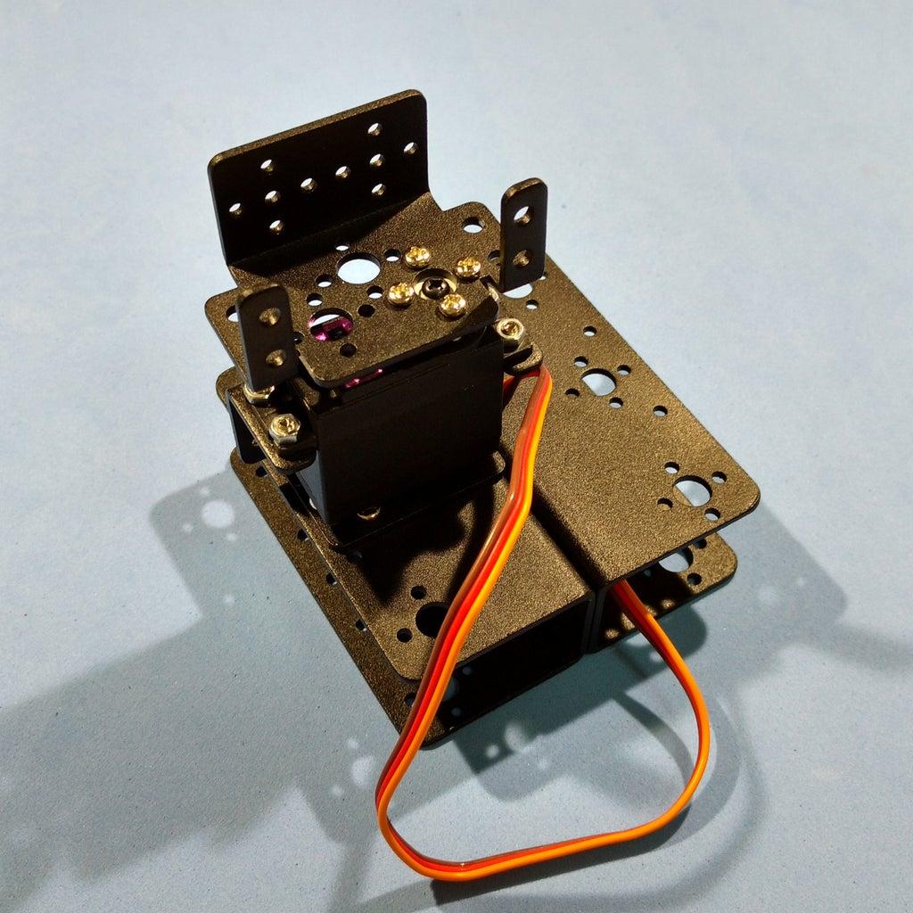 Assembling the Robotic Arm Pt3 - Servo #2