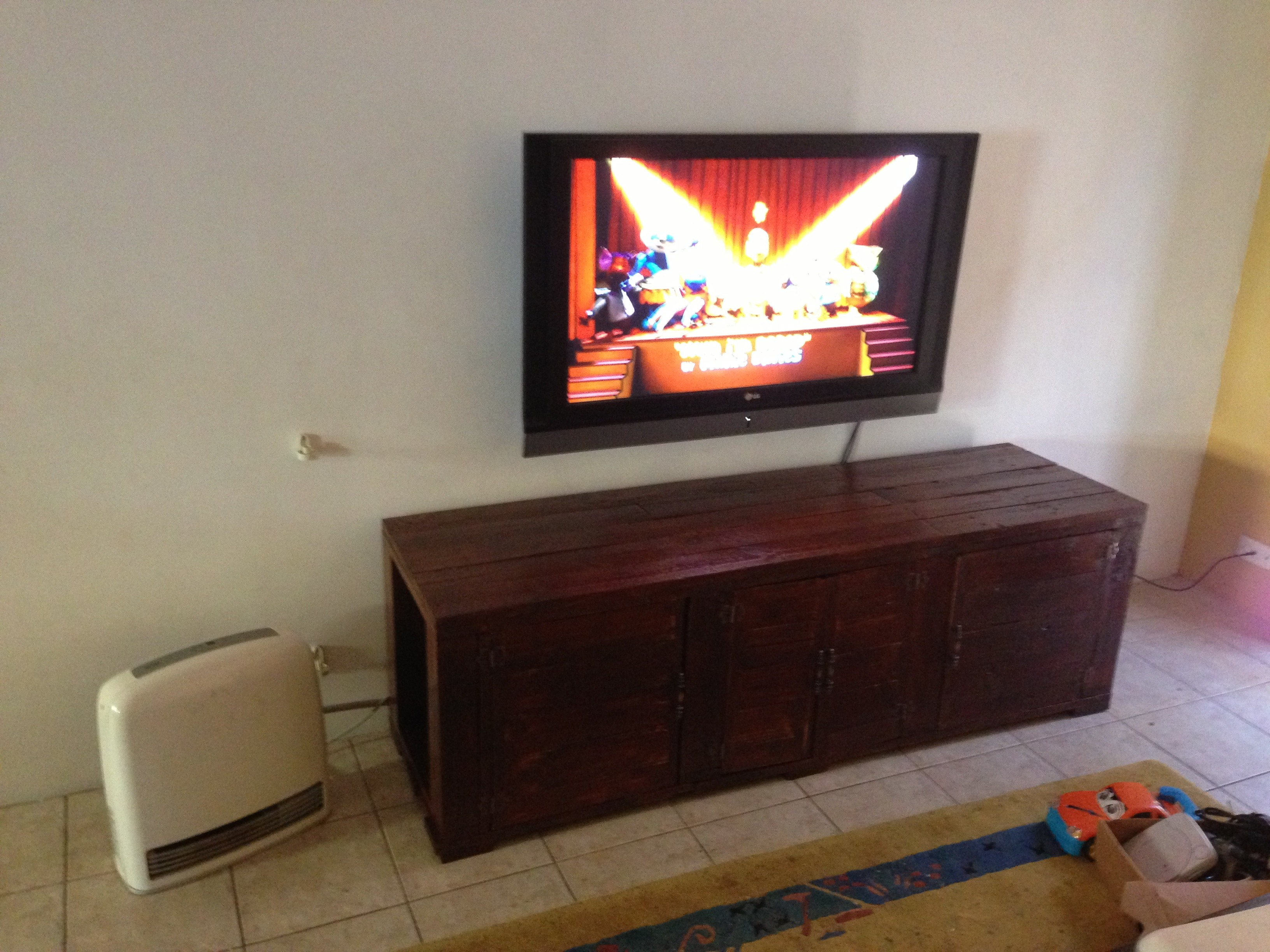 Pallet Tv Unit