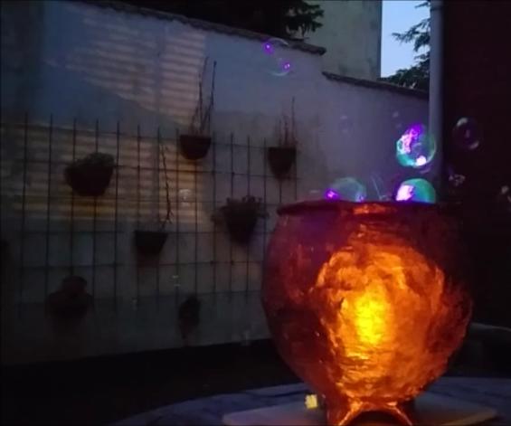 Magic Cauldron, Blowing Glowing Bubbles!