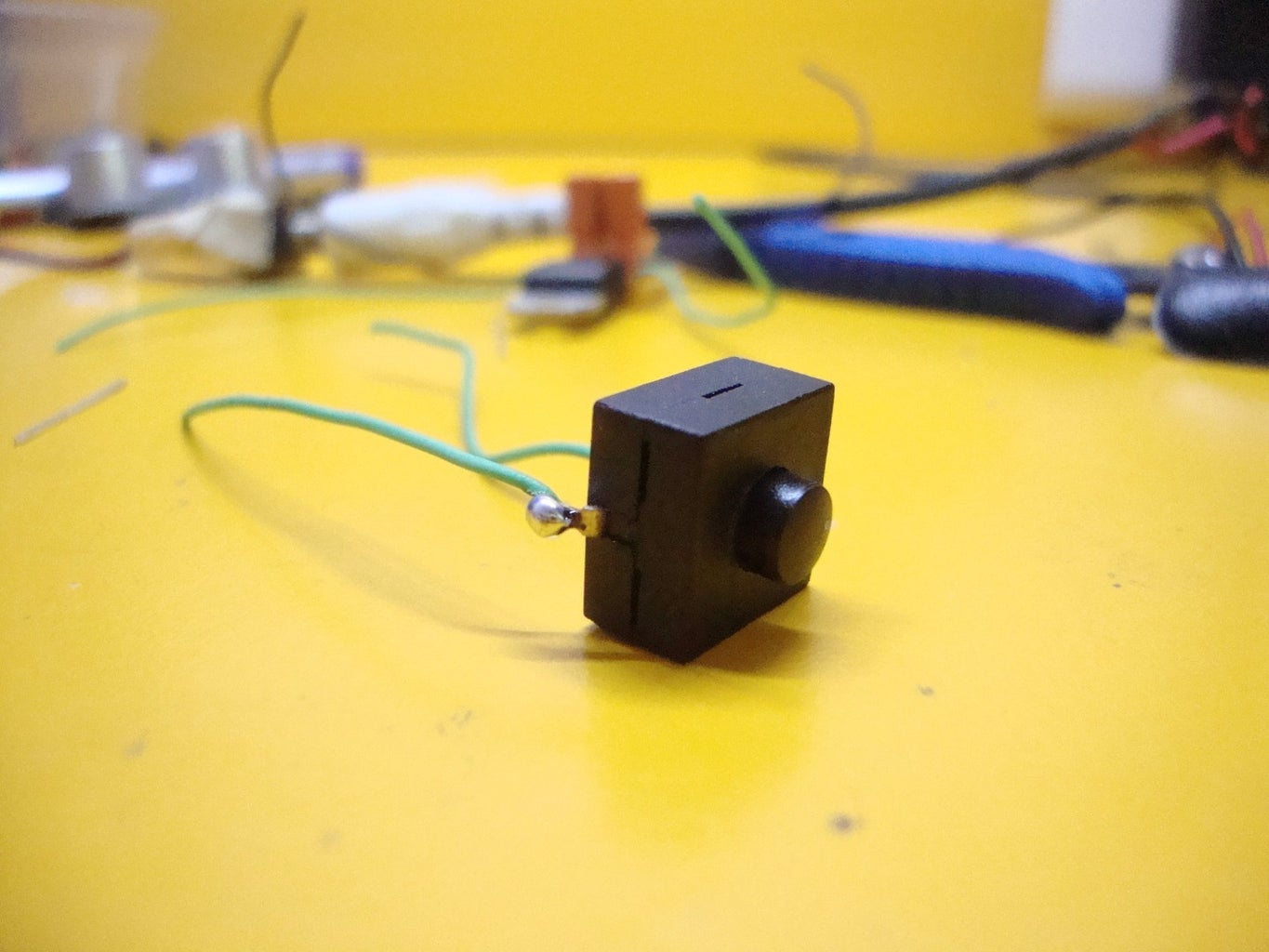 Making the Transmitter: Connect the Battery, Switch and Power Indicator LED